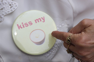 Kiss my Grits Badge Photo